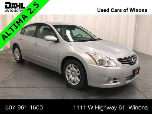 83 A 2010 Nissan Altima Exterior And Interior