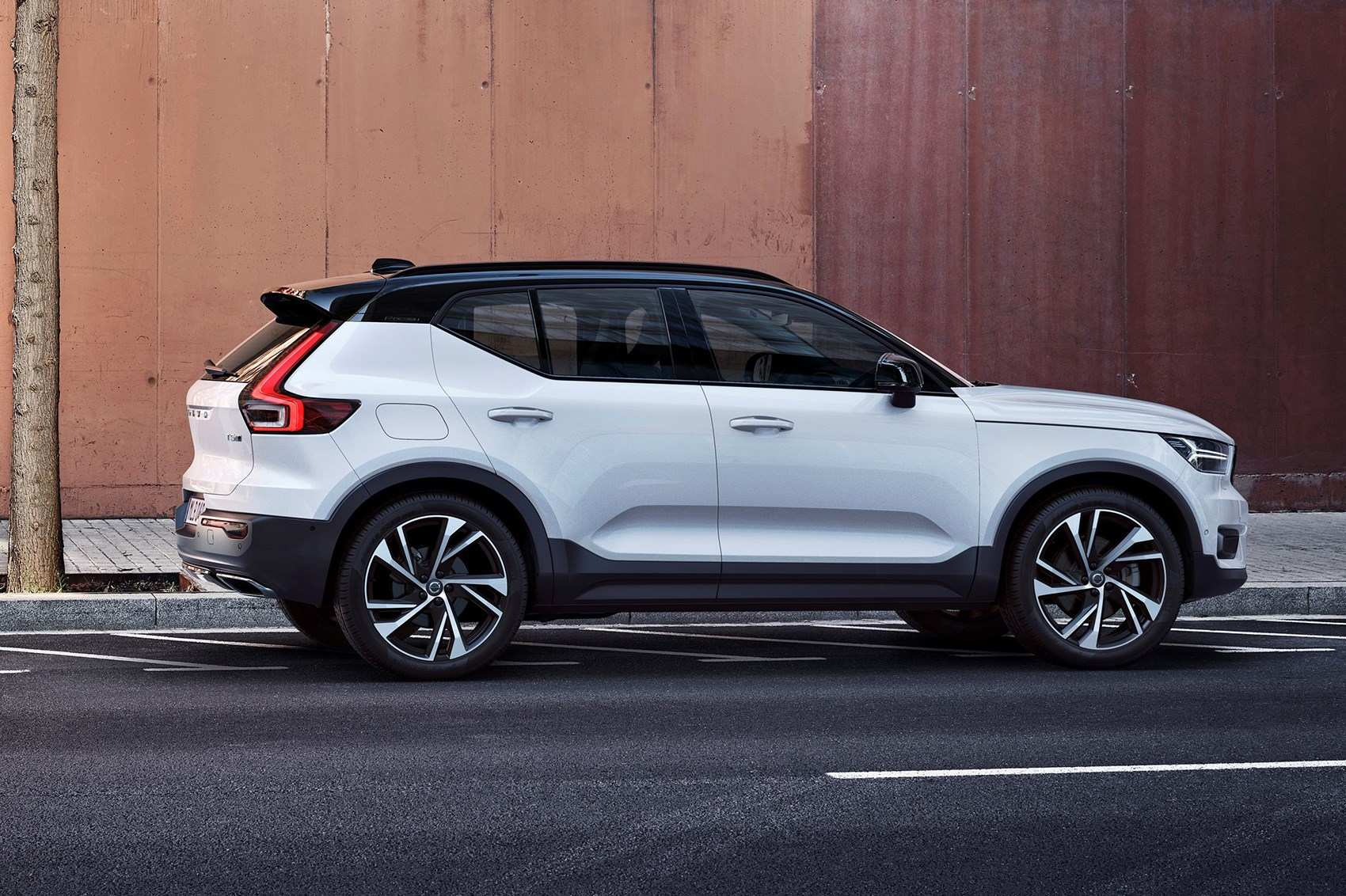 89 The Best New 2019 Volvo Xc40 Lease Spesification First Drive