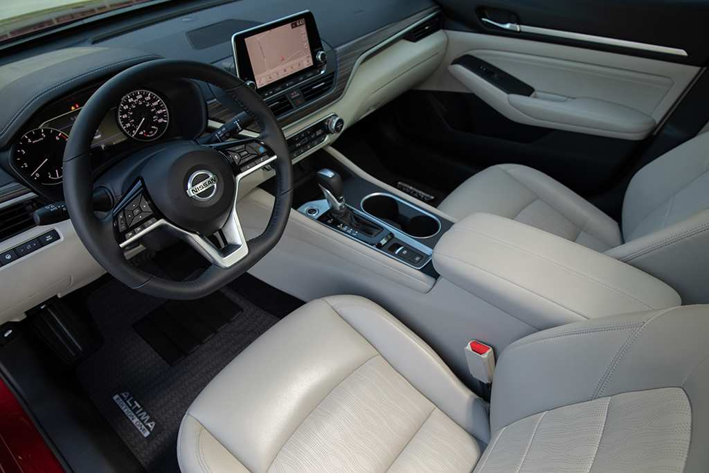 91 The Nissan Altima Interior Reviews